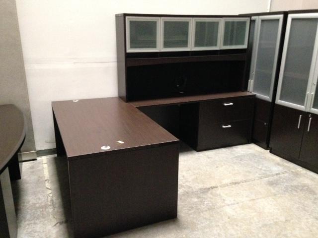 Compel 71 X106 L Desk In Espresso Laminate With Glass