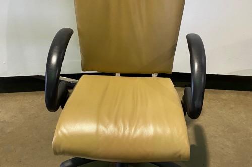 left chair